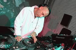PIONEER PRO DJ ROCKS DIGITALLY AT LONDON CALLING 2006-Body-5